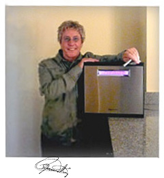 Roger Daltrey of The Who with Tyent MMP-9090